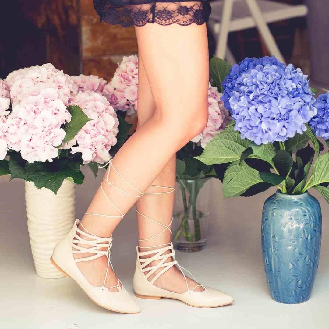 Pantofi cu şiret