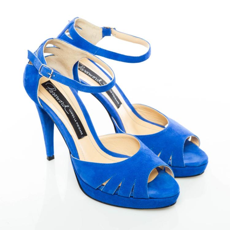 Sandale cu toc şi platformă 3
