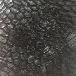 Negru croco lac usor sidefat