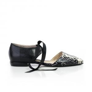 Pantofi decupati 2