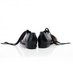 Pantofi decupati 3
