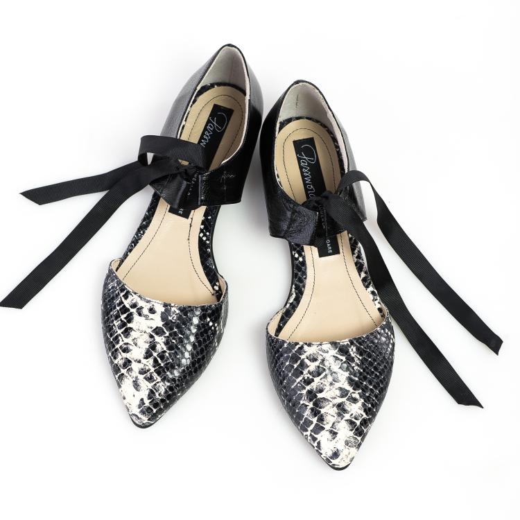 Pantofi decupati 4
