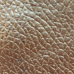 Auriu texturat