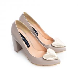 Pantofi cu inimioara 2