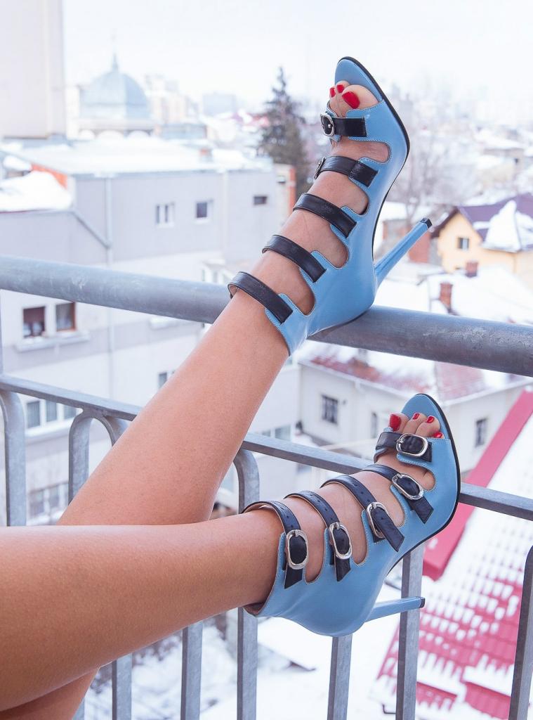 Pantofi cu barete Goddess 2