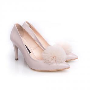 Pantofi stiletto cu pompon PUF