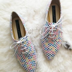 Pantofi-cu-sireturi