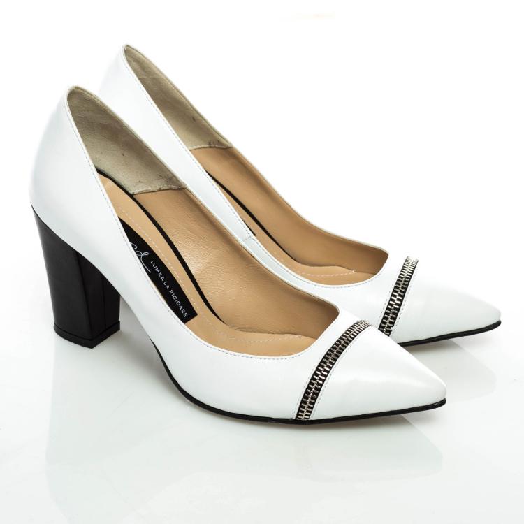 Pantofi cu toc 2