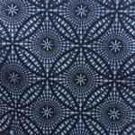 Print geometric fundal bleumarin