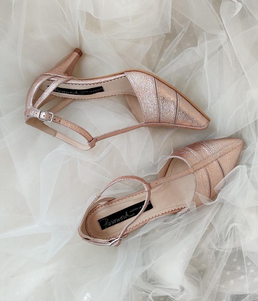 Pantofi de mireasa deosebiti cu toc mic