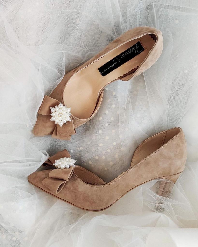 Pantofi de mireasa nude