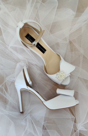 Sandale mireasa deosebite cu platforma si bijuterie